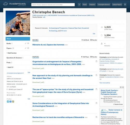 Page personnelle sur Academia.edu. La partie centrale est réservée pour l'affichage des publications.