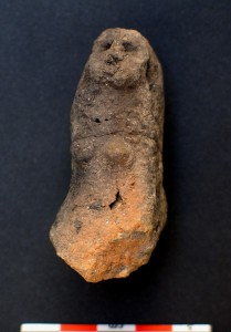 Fig. 5 Représentation féminine-animale de la phase ancienne, vue de face, Tell Aswad.