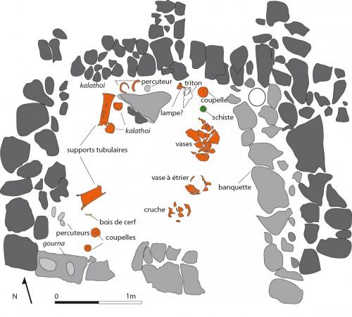 Fig. 2 : dépôt de sol Minoen Récent IIIB de la pièce 3.8 du bâtiment CD à Sissi (F. Gaignerot-Driessen)
