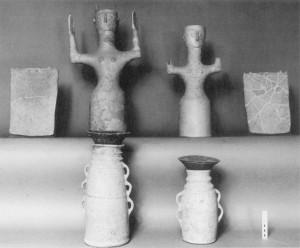 Fig. 4 : équipement cultuel du sanctuaire de Vronda (d'après Gesell 2004, fig. 7.4).