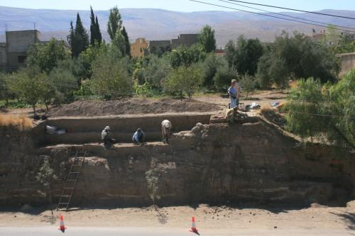 Fig.4 : Une partie de la coupe de Tell Labwé Sud, Béqaa-Liban. Photo mission libano-espagnole.