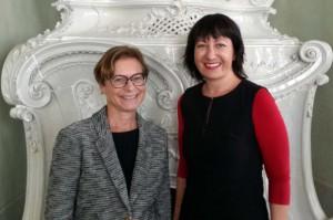 Fig. 3 : Eva Alram-Stern (à gauche) et Barbara Horejs, organisatrices du Workshop d'OREA (photo S. Müller Celka)