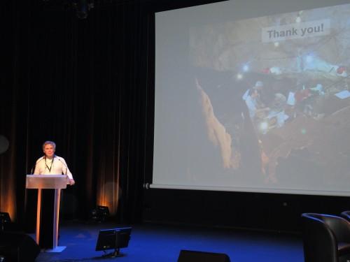 Fig.1 : Communication inaugurale d'Israel Hershkovitz (Université de Tel Aviv) pour la session 1 (photo J. Bruzek)