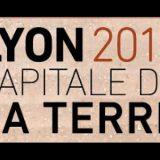 UNE_PERELLO_Fig. 1. Affiche Lyon capitale de la terre