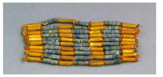 Bracelet en or et lapis-lazuli, tombe 1237, Cimetière Royal d'Ur (d'après Pittman 1998 : 120, n°88)