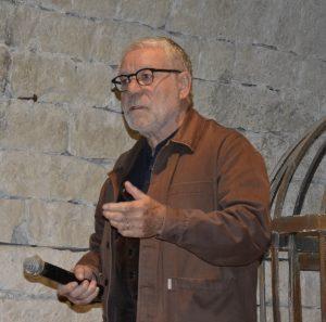 Fig. 3 : Jean Férole introduit la rencontre (Photo Françoise Prudhomme)